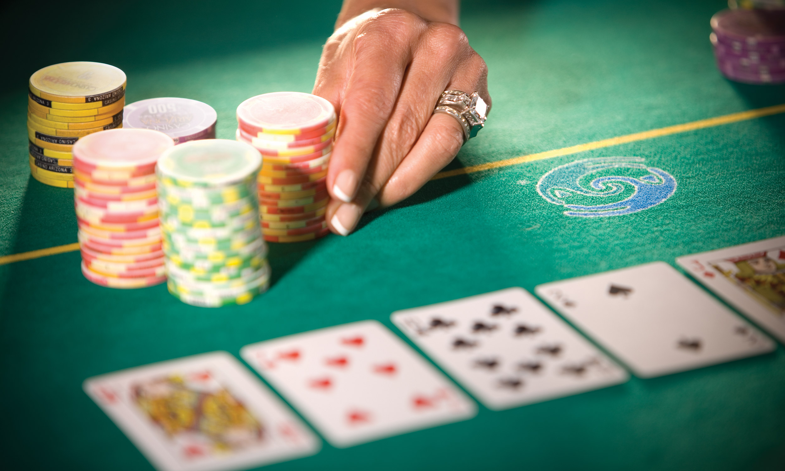 Ways to Deal with Decisive Moments In A Poker Tournament